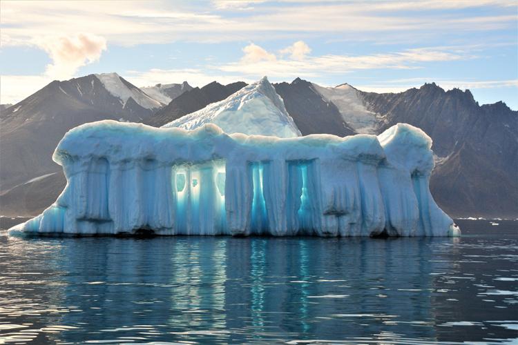 Image of an iceberg that looks like the Parthenon - iceberg pareidolia test