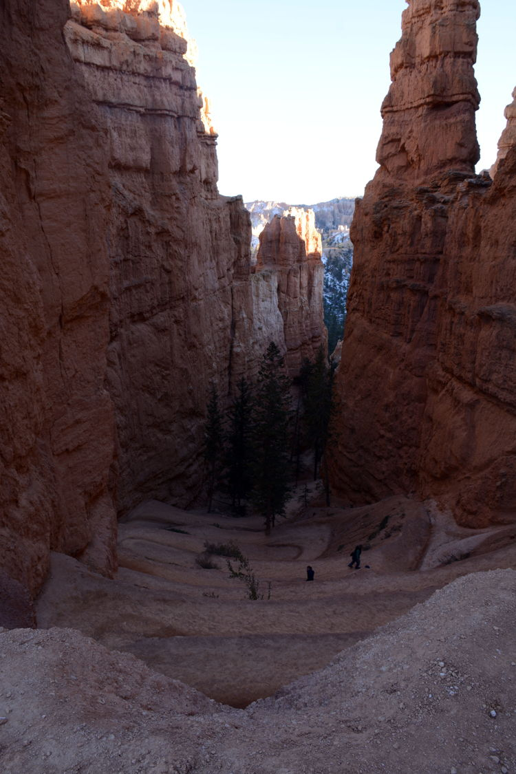 Photo of interesting rock formations on the Navajo Loop trail in Bryce Canyon National Park in Utah - best hikes in Bryce Canyon