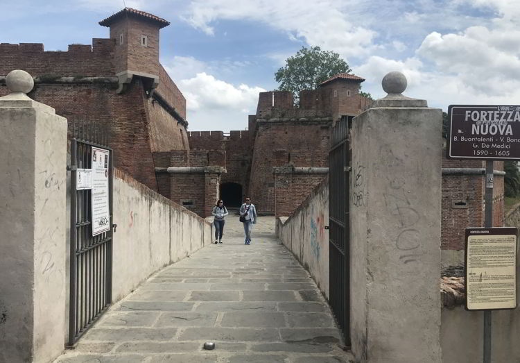 An image of the outside of Fortrezza Nuova, the new fort in Livorno, Italy = exploring LIvorno cruise port.