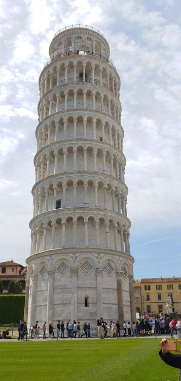 An image of the leaning tower of Pisa in Pisa, Italy.