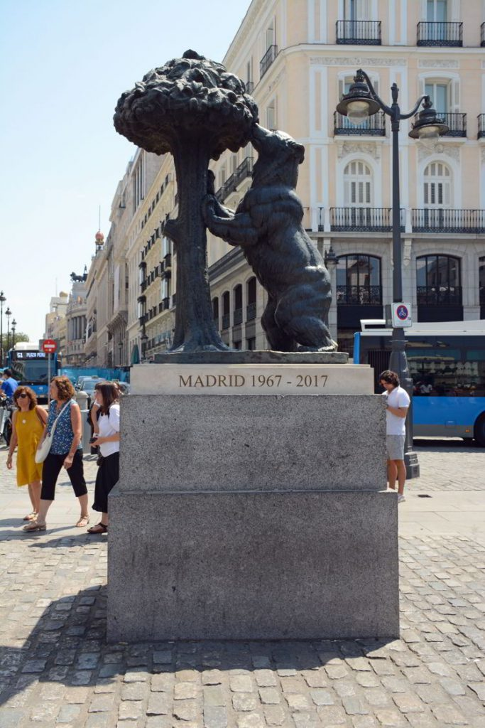 Photo of the Bear and the Modrono Tree statue in Puerto del Sol in Madrid, Spain.