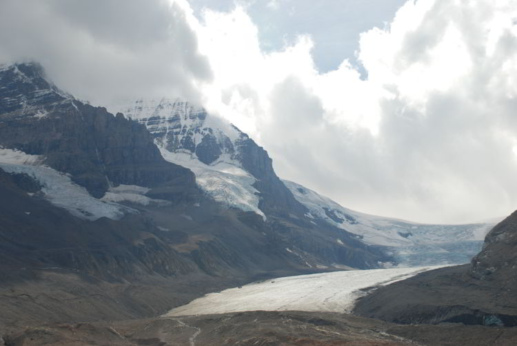 An image of the Athabasca Glacier in Jasper National Park, Alberta - Jasper Hikes.