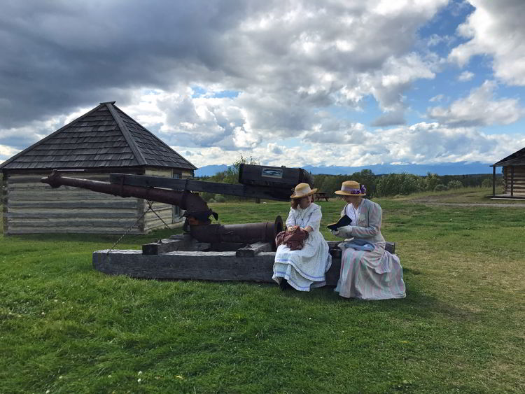 An image of a pair of girls who are costumed interpreters at Frt Steele near Cranbrook, BC.