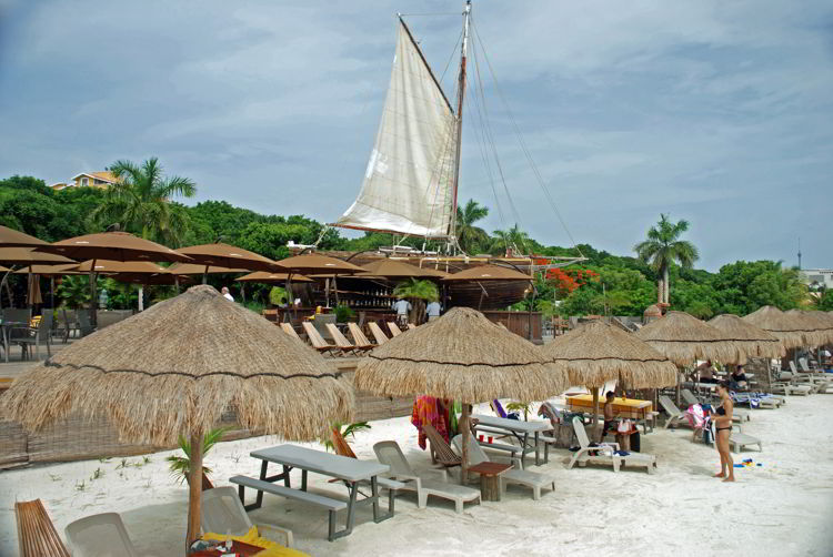 An image of Capitán Dulché Beach Club on Isla Mujeres - do it yourself isla Mujeres tour