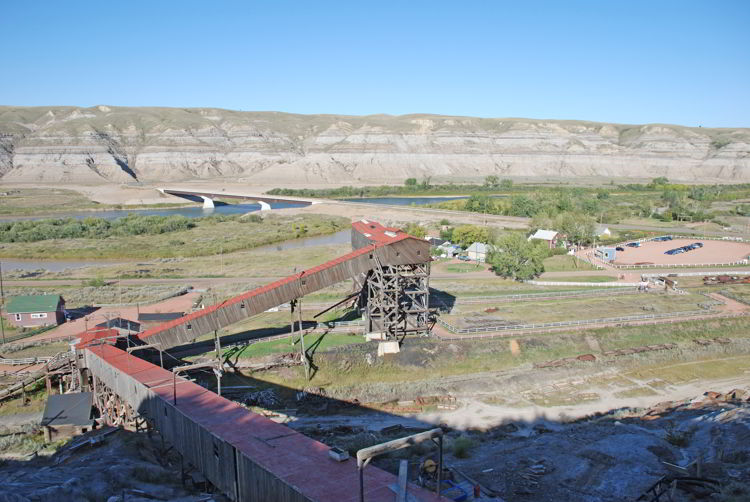 An image of the wooden tipple at Atlas Coal Mine.